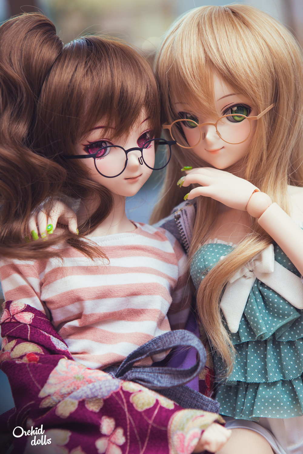 Dollfie Dream with glasses
